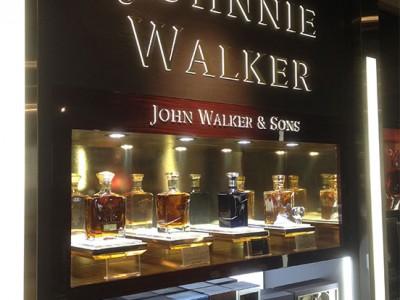 JOHNNIE WALKER Narita T12
